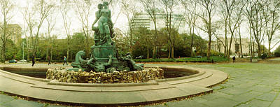 Grand Army Plaza Photograph - Fountain In A Park, Bailey Fountain by Panoramic Images