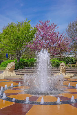 Wall Art - Photograph - Fountain In Coolidge Park by Tom and Pat Cory