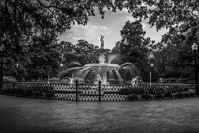 Photograph - Fountain In Savannah Ga  by John McGraw