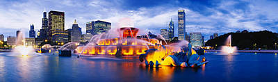 Chicago Photograph - Fountain Lit Up At Dusk, Buckingham by Panoramic Images