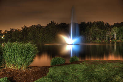 Berea Wall Art - Photograph - Fountain Of Color by Carolyn Hall