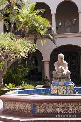 Dainty Daisies - Fountain of the Aztec Woman by Brenda Kean