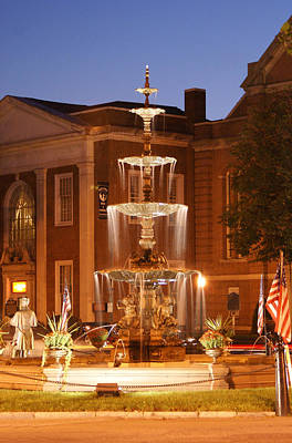 Fountain On Chambersburg Square Art Print by L Granville Laird