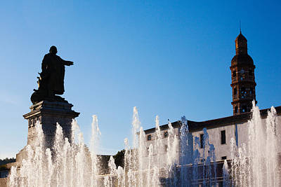 Fountain With A Statue At Place Art Print