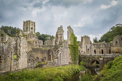 Pop Art - Fountains Abbey by Chris Smith