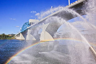 Photograph - Fountains And The Market Street Bridge by Tom and Pat Cory