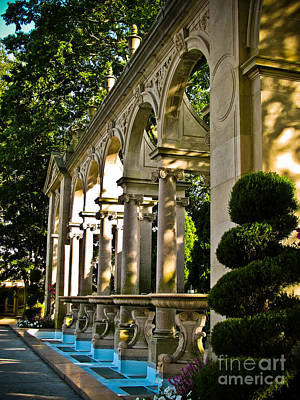 Photograph - Fountains In The Gardens by Colleen Kammerer