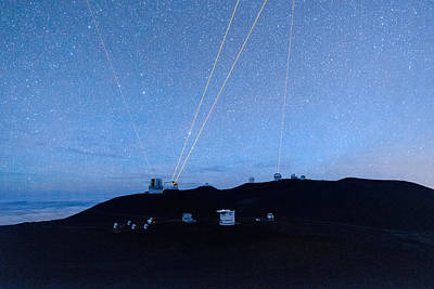 Keck Photograph - Four Lasers Above Mauna Kea 3 by Jason Chu