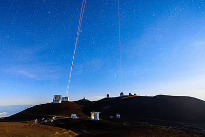 Keck Photograph - Four Lasers Above Mauna Kea 5 by Jason Chu