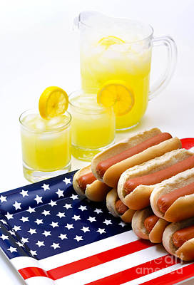 Us Flag Photograph - Fourth Of July Hot Dogs And Lemonade by Amy Cicconi