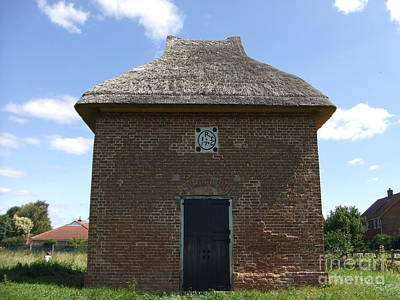 Photograph - Foxton Dovecote by Richard Reeve