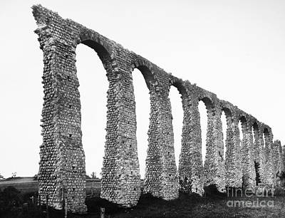 Photograph - France: Roman Aqueduct by Granger