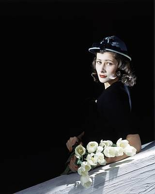 Photograph - Francesca Rutherfurd With Flowers by Horst P. Horst