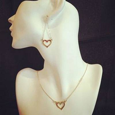 Free Shipping Set Idit Stern Delicate Heart Necklace And Earrings Original by Idit Stern
