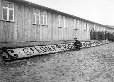French Man-of-war Photograph - French In Pow Camp by Underwood Archives