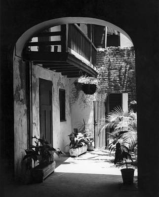Sixties Photograph - French Quarter Courtyard by Underwood Archives