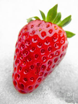 Yield Painting - Fresh Strawberrie by Odon Czintos