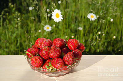 Photograph - Fresh Strawberries In A Bowl by Kennerth and Birgitta Kullman