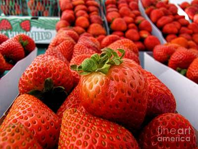 Photograph - Fresh Strawberries by Peggy Hughes