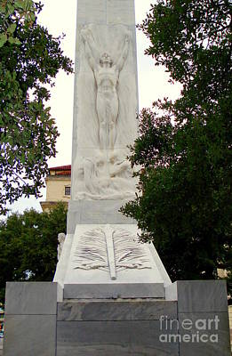 Photograph - Front Of Alamo Cenotaph by Rachel Munoz Striggow