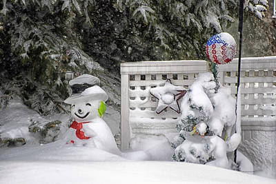 By Thomas Woolworth Photograph - Frosty The Snow Man by Thomas Woolworth