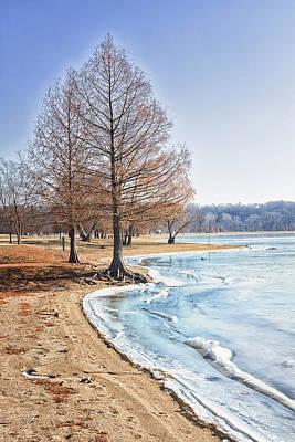 Creve Coeur Park Photograph - Frozen Lake by Linda Tiepelman