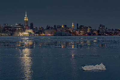 Photograph - Frozen Midtown Manhattan Nyc by Susan Candelario