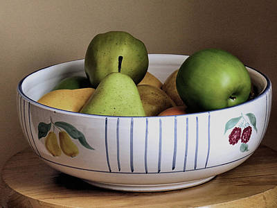 Photograph - Fruit Bowl by Janice Drew