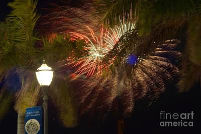 Photograph - Ft. Pierce Fireworks by Lynda Dawson-Youngclaus