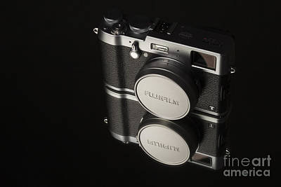 Fujifilm X100t Camera Art Print by Edward Fielding