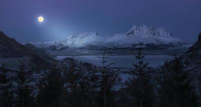 Norway Wall Art - Photograph - Full Moon by David Mart?n Cast?n