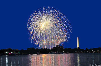 Photograph - Full Spectrum Pattern Washington D.c. Fireworks by Steven Barrows