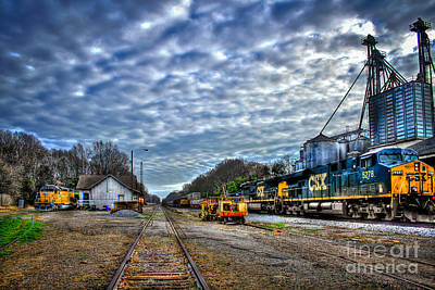 Photograph - Full Throttle Csx Atlanta Bound Thru Madison Ga by Reid Callaway