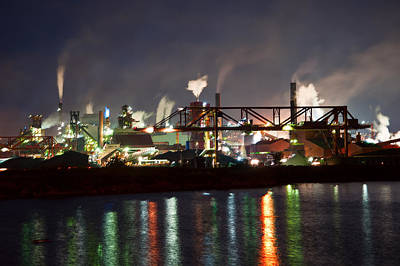 Fumes From Steel Mill In Hamilton Harbour Art Print