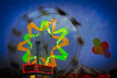 Photograph - Fun Evening At The Carnival by Susan Candelario