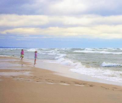 Marquette Digital Art - Fun On The Beach by Rosemarie E Seppala