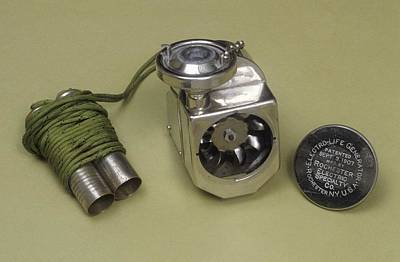 Quack Photograph - Galvanic Apparatus by Science Photo Library