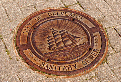 Photograph - Galveston Texas Manhole Cover by Connie Fox