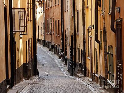 Photograph - Street In Gamla Stan by Inge Riis McDonald