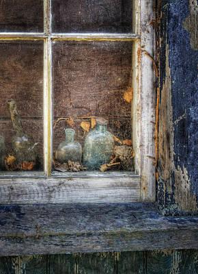 Photograph - Garage Window by Mikael Carstanjen