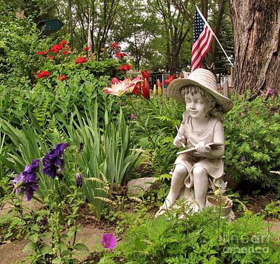 Photograph - Garden Girl Statue by Marilyn Smith