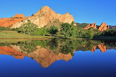 Photograph - Garden Of The Gods Reflecting by Diane Alexander