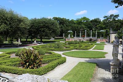 Photograph - Garden Of Vizcaya by Carol Groenen
