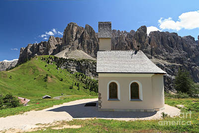 Book Quotes - Gardena pass - small church by Antonio Scarpi