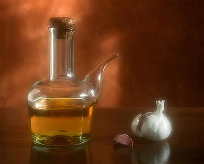 Photograph - Garlic And Olive Oil. by Juan Carlos Ferro Duque