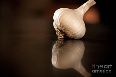 Garlic Photograph - Garlic Reflection by Patricia Bainter