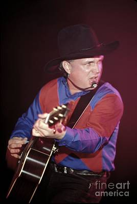 Garth Brooks Photograph - Garth Brooks by Concert Photos