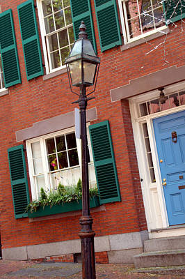 Photograph - Gas Lamp Beacon Hill by Caroline Stella