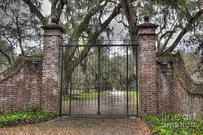 Photograph - Gates Of Fenwick Plantation by Dale Powell