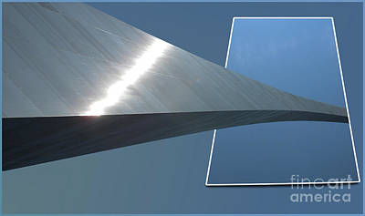 Bounded Area Photograph - Gateway Arch St Louis 05 by Thomas Woolworth